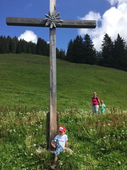 Schnifis, Schnifisberg, familienwanderung, vorarlberg, wohin heute vorarlberg, wandern mit kindern in vorarlberg, hiking with children, feeltheearth, be part of a hiking movement